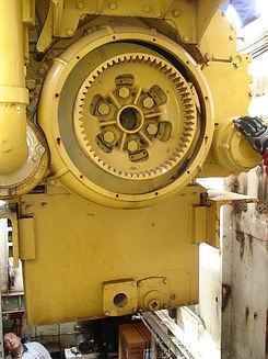 working-boat-repair-engine-690.jpg