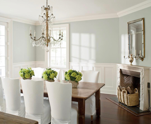 Dining room painted with Wickham Gray HC-171