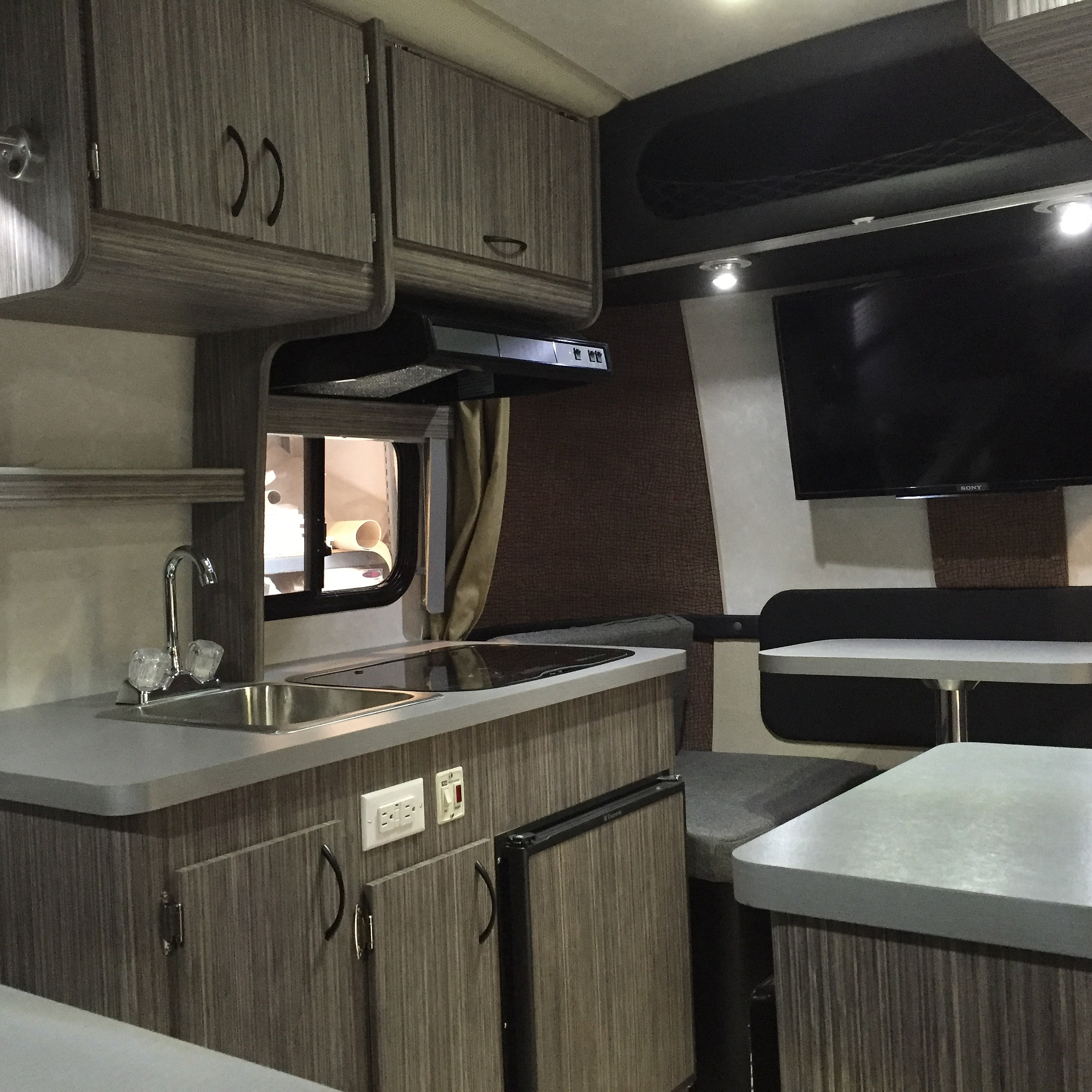 Marvelous Armadillo Trailer Manufacturing Largest Home Design Picture Inspirations Pitcheantrous