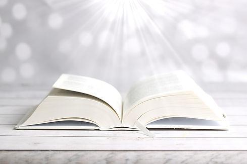 bible-4179472_1920.jpg