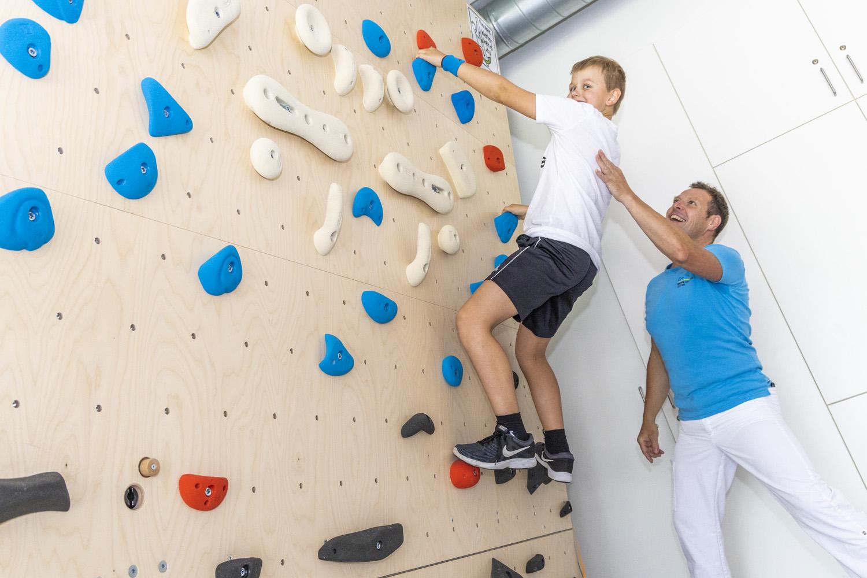 Boulderwand_Therapie klettern (2)