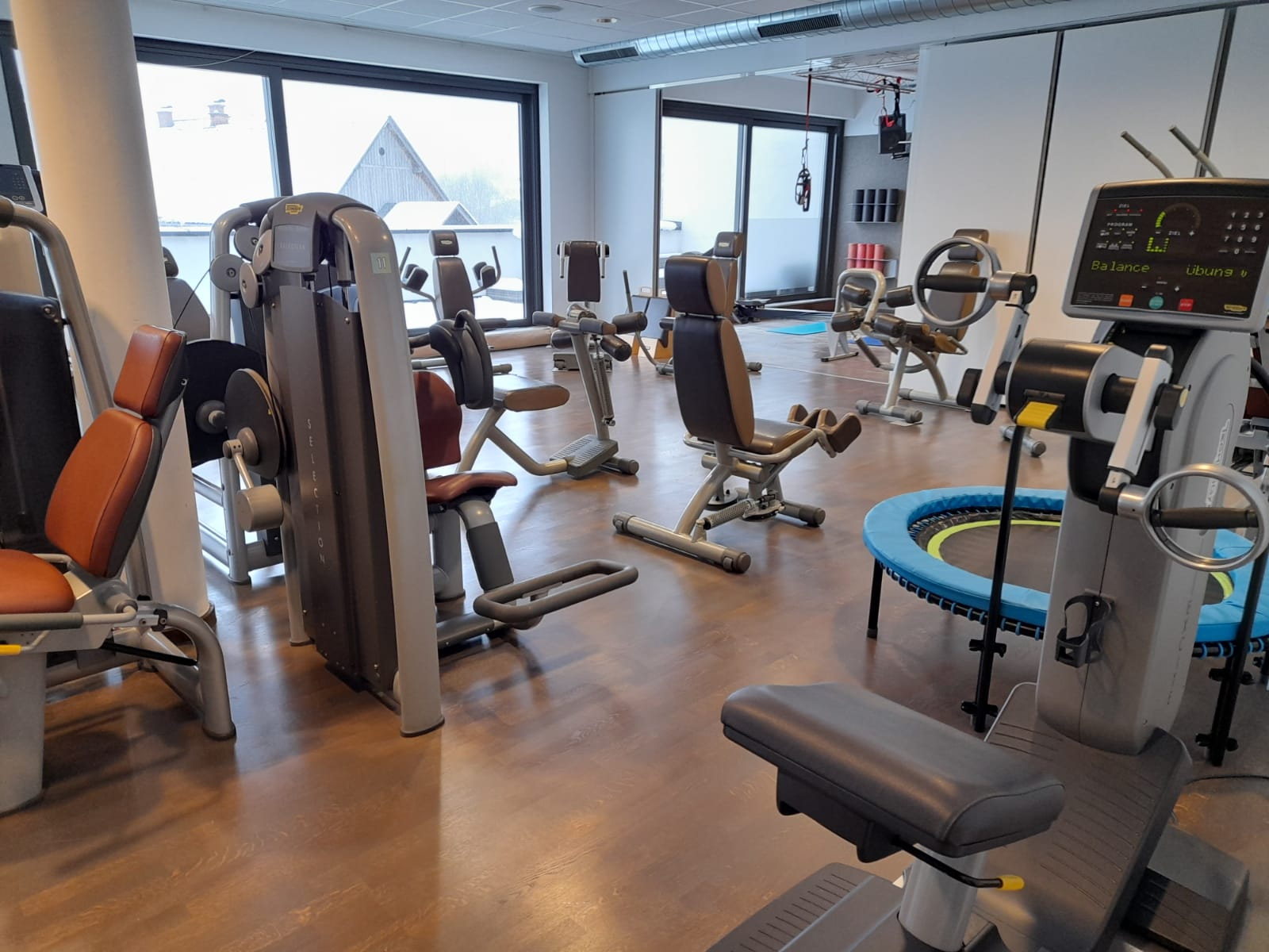 Neuversiegelung Boden Fitnessstudio