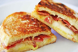 grilled-cheese-sandwich-bacon-pear-horiz