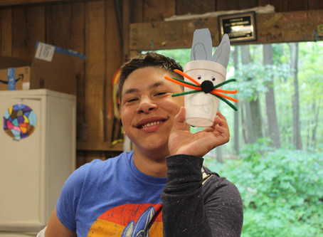 Making Bunnies in Arts and Crafts!