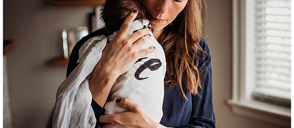 Hamilton Newborn Photographer - Why you should have your lifestyle newborn photos taken at home
