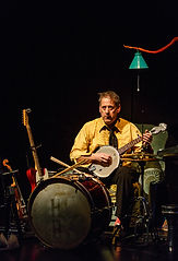 Thomas Johnson, Theatre Alibi, banjo