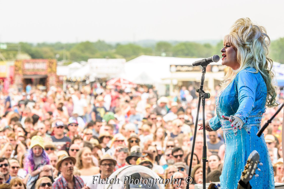Dolly Glastonbudget 5.jpg