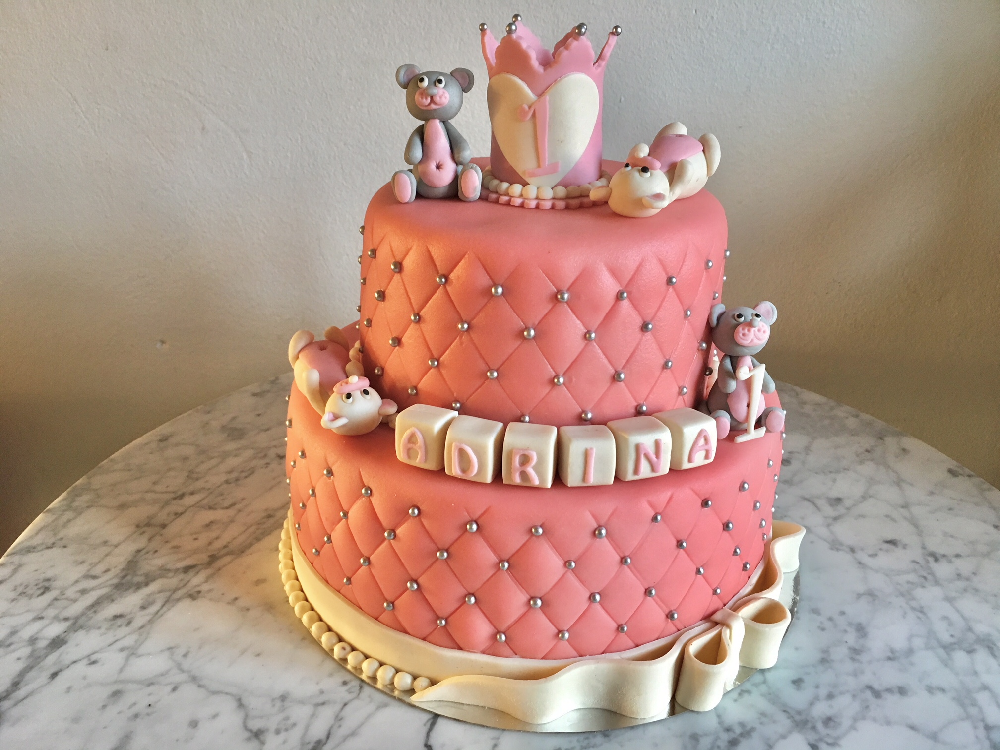 1 års-tårta Adrina