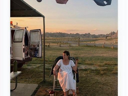 Nomadland e o luto solitário da mulher nômade