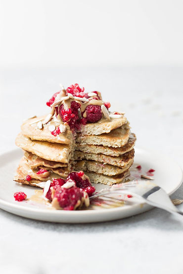 Nüsse und Beeren Pfannkuchen