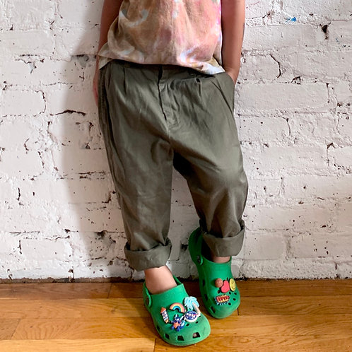 Lt Weight Pleated Pants
