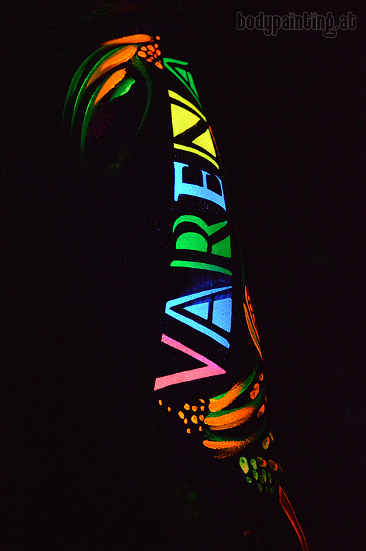 UV-bodypainting_Varena_LC_010