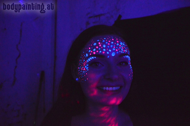 uv-bodypainting_neonparty_020