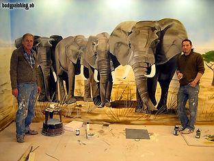Mike Shane Wandmalerei Kegelbahn