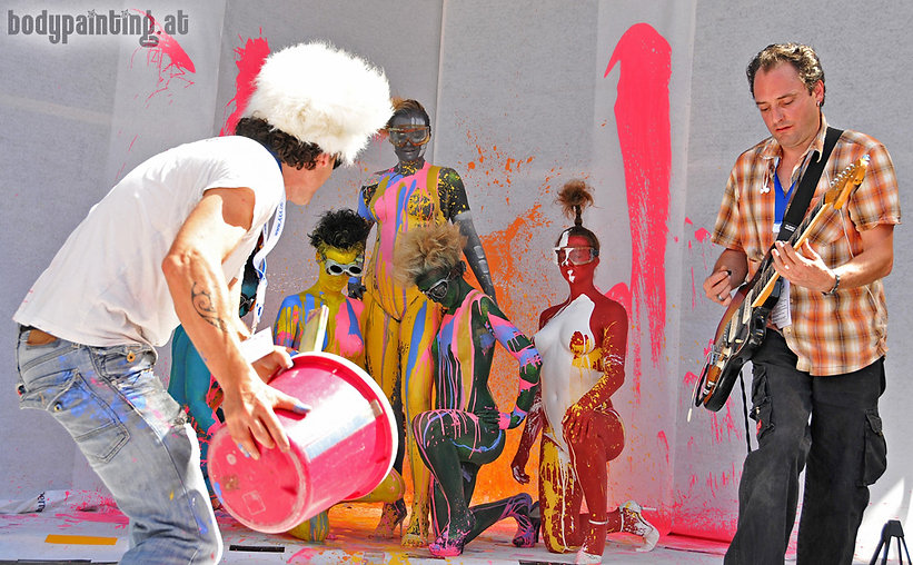 Mike Shane Action Bodypainting in Caracas