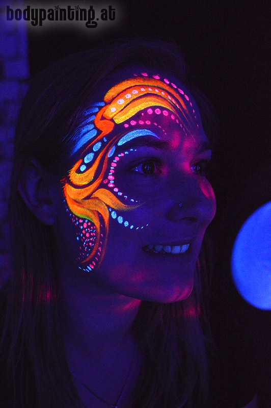 uv-bodypainting_neonparty_012