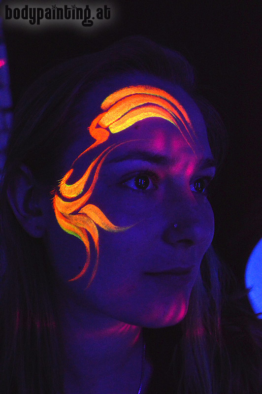 uv-bodypainting_neonparty_013