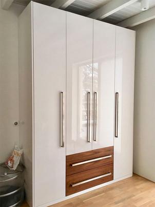 Шкафы с гладкими фасадами