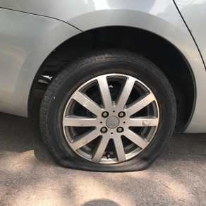 3 LESSONS LEARNT FROM CHANGING A FLAT TIRE