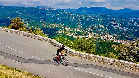 View from descent on Chateauneuf-Villevieille