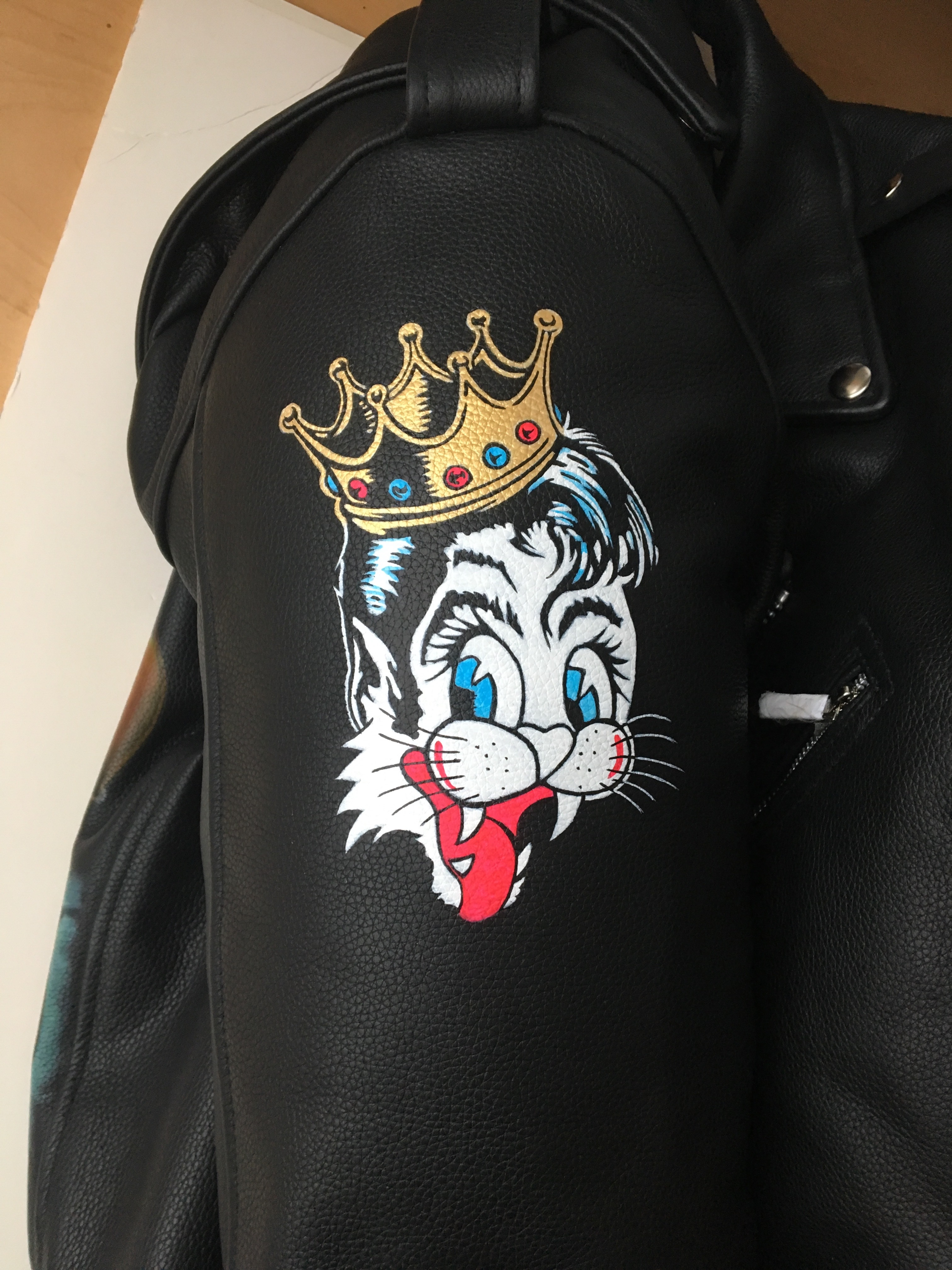 38a222a1950 Further image on sleeve of Stray Cats jacket.