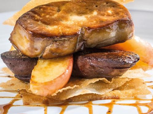 Foie de canard pôelé, boudin noir fermier, pommes, sauce porto