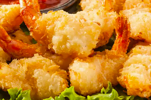 Crevettes Nobashi en tempura, sauce tartare maison