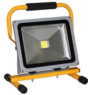 LED-Scheinwerfer_Ekstroem30.jpg