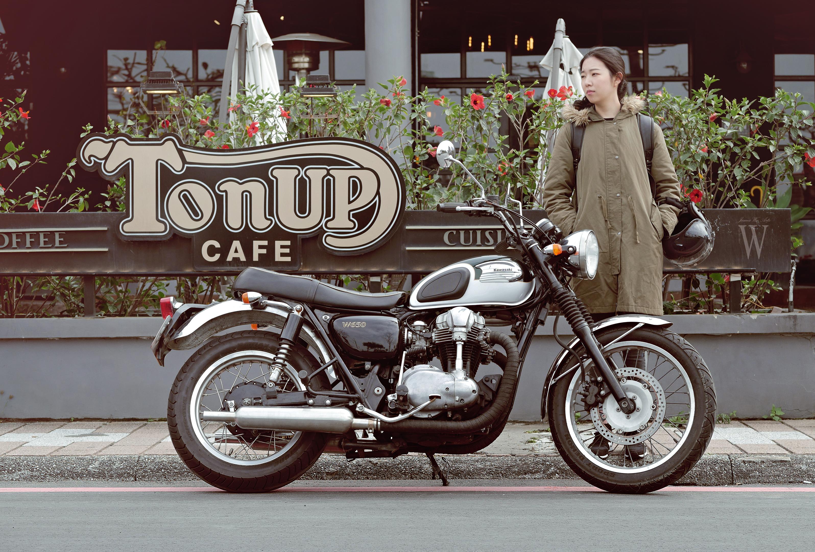 Ton Up Cafe (15)