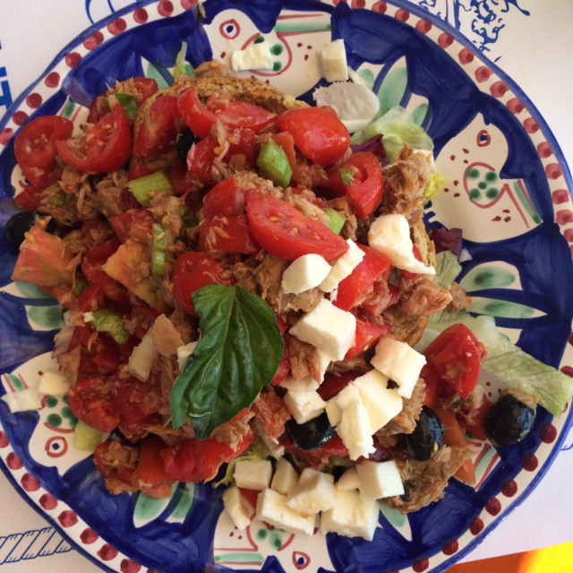 Top 8 tips on how and why eat a Mediterranean style diet