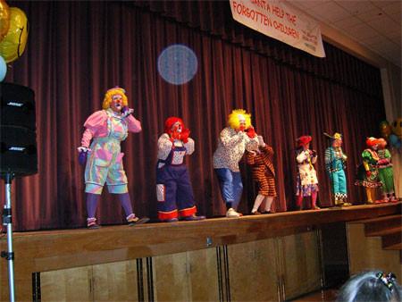 Clowns_at_Oak_Harbor_212.JPG