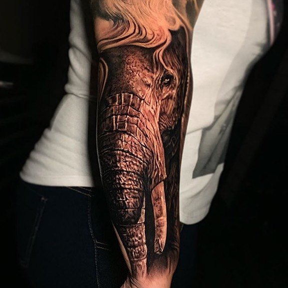 Beautifully done elephant on the back of