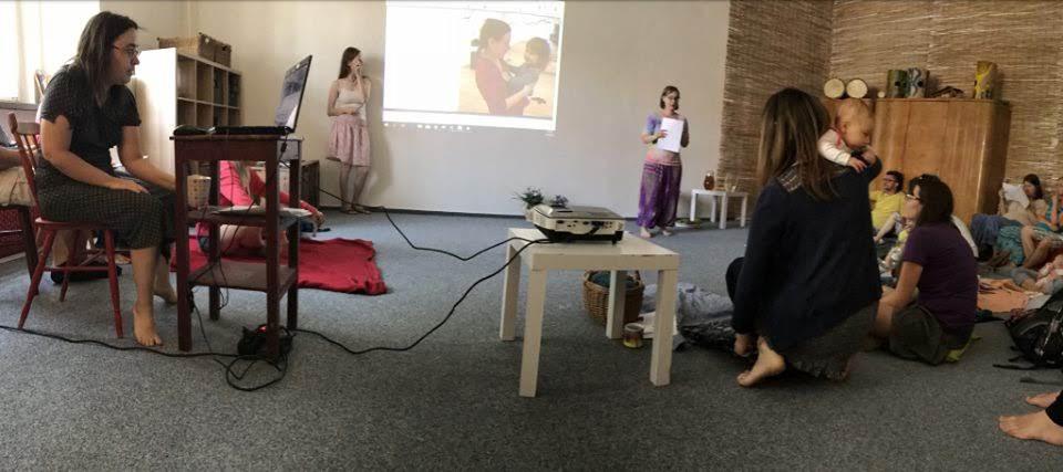Nejlepší skok do léčivého hraní je asi živý seminář. Sdílení, podpora mateřských kompetencí :) nové tipy a rady. Odcházíme plné chuti a bojovného hravého ducha :) do dalších dnů. Pokud na seminář nemůžete, natočili jsme jeden na video.