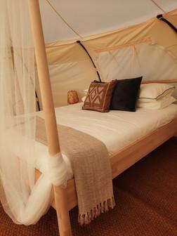 18עיצוב מתחם אוהלי אירוח בסגנון בוהו שיק
