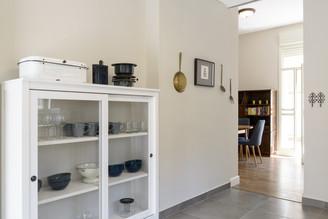 עיצוב מטבח בסגנון וינטג׳ ישראלי בתל אביב airbnb