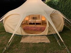 14עיצוב מתחם אוהלי אירוח בסגנון בוהו שיק