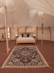 עיצוב מתחם אוהלי אירוח בסגנון בוהו שיק05
