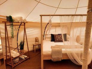 עיצוב מתחם אוהלי אירוח בסגנון בוהו שיק01
