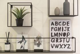 פרט בסלון בדירה לאירוח טווח קצר בתל אביב airbnb