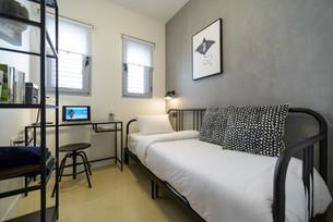 חדר אירוח ועבודה בדירת אירוח לטווח קצר במרכז תל אביב airbnb