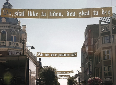 «Ord i gaden» - de gule bannerne i Markensgate