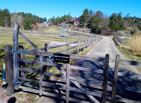 Grunneier stenger gammel ferdselsvei
