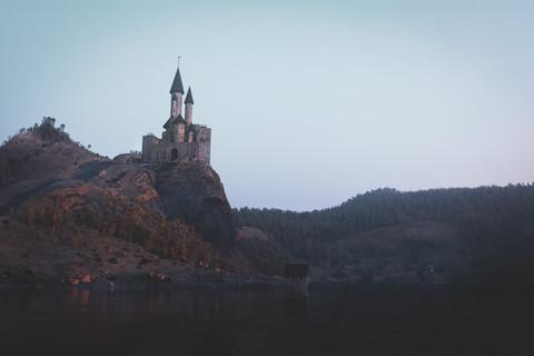 Slottet_på_klippan_y-2.jpg