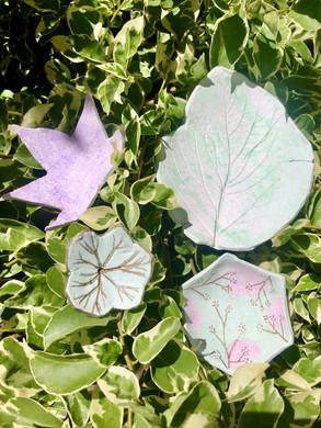 School Hol- Nature Inspired Ceramic Dish