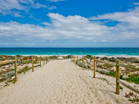 Short stroll to Beach