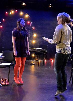 Vibeke Koehler og Vibeke Havre letter på prøvene på Folkets Festspillscene 2015