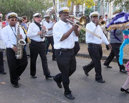 WWOZ_30th_Birthday_Parade_Esplanade_Trem