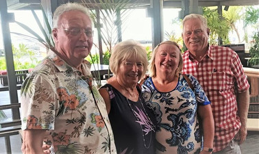Lester & Connie Riley (left) with Chris & Bill Elliott (right) in Cairns, Qld