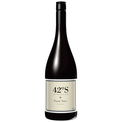 42 Degrees South Pinot Noir 750mL 13.5%