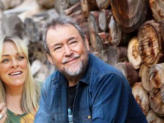 John Williamson's True Blue tribute to Australian Craft Distillers